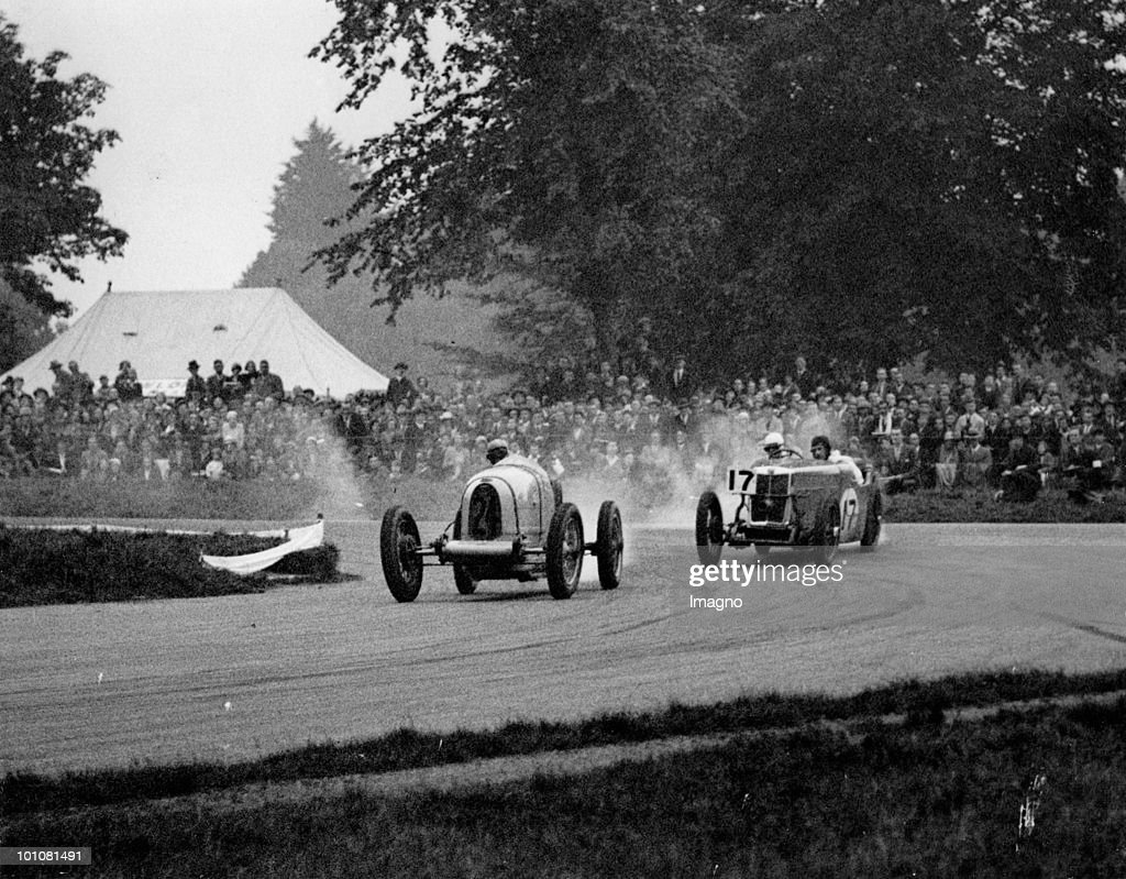 Autocar Race. The picture shows an autocar race over the Grand Prix course in Phoenix Park, Dublin held by the Irish Motor Racing Club. Dublin. Photograph. Dating: 18. 9. 1932. (Photo by Austrian Archives