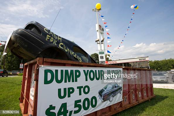 usa economy 39 cash for clunkers 39 pictures getty images. Black Bedroom Furniture Sets. Home Design Ideas