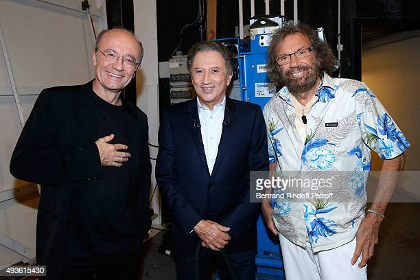 Autor Philippe Geluck Presenter of the Show Michel Drucker and Singer Antoine attend the 'Vivement Dimanche' French TV Show at Pavillon Gabriel on...