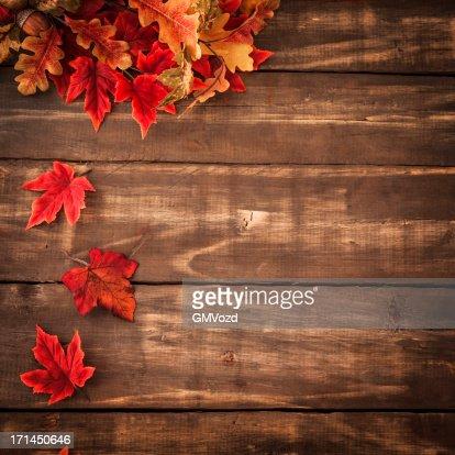 Fondo de otoño con decoración Leafs