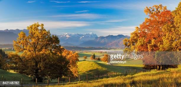 Herbst im bayerischen mit Zugspitze im Hintergrund - XXL Panorama