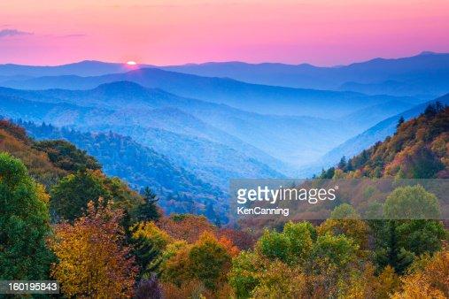 Autumn 山の日の出