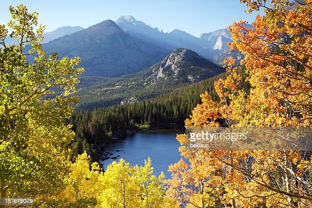 秋の日の出湖