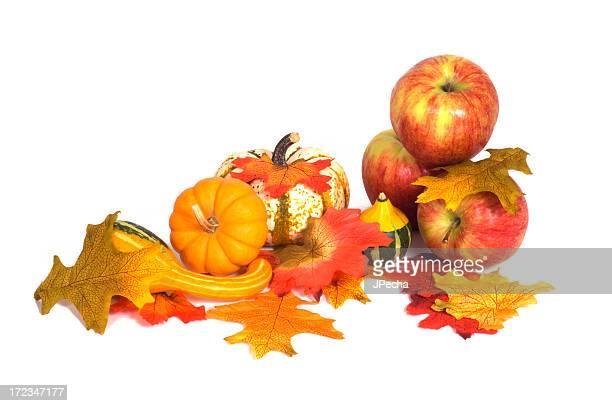 Automne composition pièce maîtresse Afficher la citrouille, feuilles, pommes, Courge