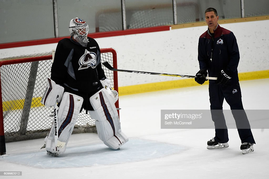 avalanche-coach-jared-bednar-talks-his-team-through-a-drill-during-picture-id609982012
