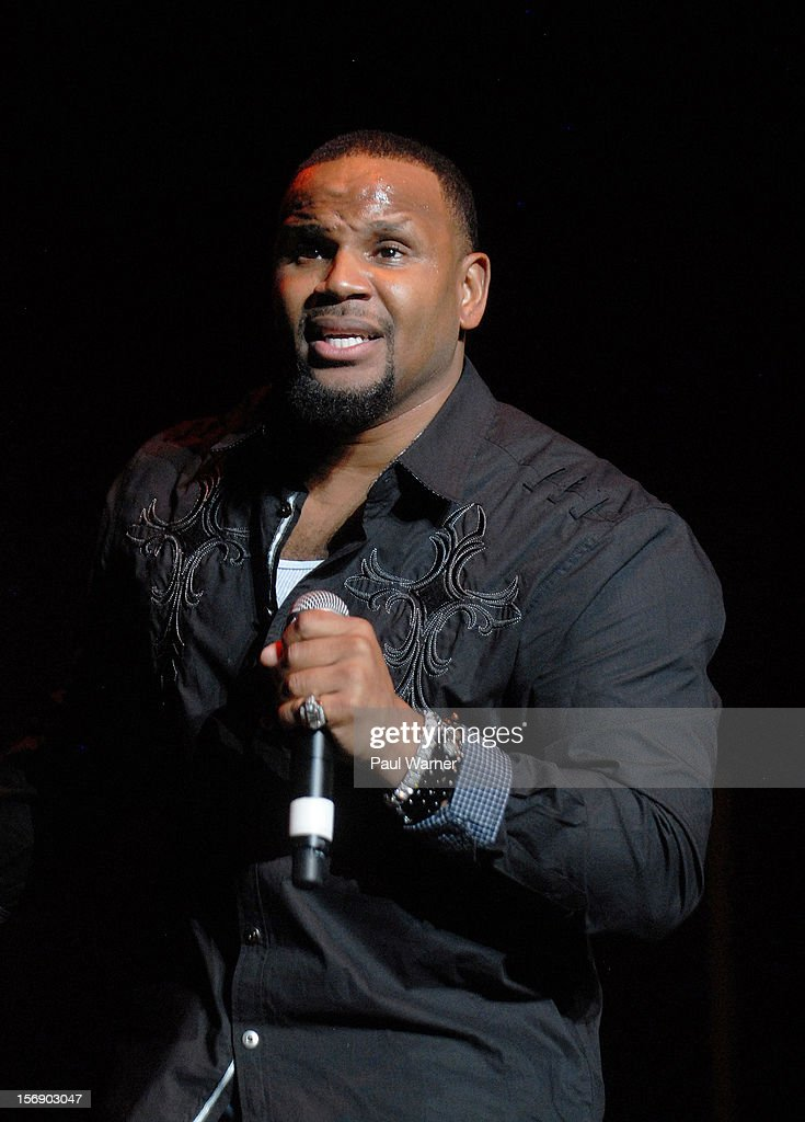 Avant performs as a opening act for Brian McKnight in concert at Masonic Temple Theater on November 23, 2012 in Detroit, United States.