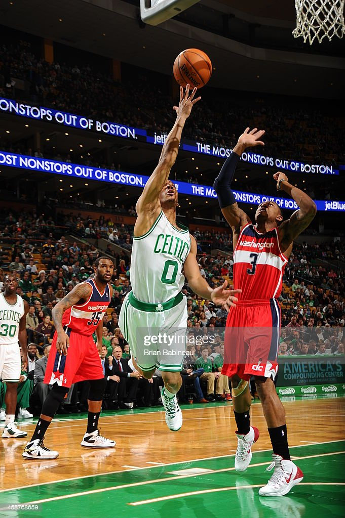 <a gi-track='captionPersonalityLinkClicked' href=/galleries/search?phrase=Avery+Bradley&family=editorial&specificpeople=5792051 ng-click='$event.stopPropagation()'>Avery Bradley</a> #0 of the Boston Celtics drives to the basket against the Washington Wizards on December 21, 2013 at the TD Garden in Boston, Massachusetts.