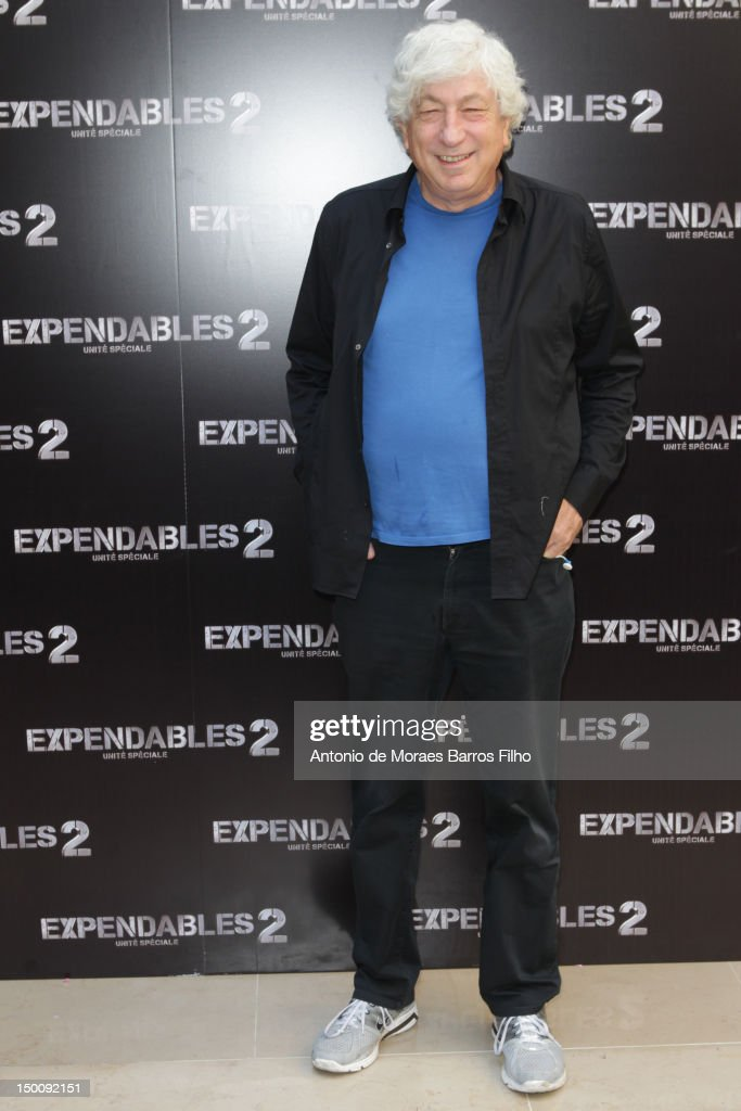 <a gi-track='captionPersonalityLinkClicked' href=/galleries/search?phrase=Avi+Lerner&family=editorial&specificpeople=3011896 ng-click='$event.stopPropagation()'>Avi Lerner</a> attends 'The Expendables 2' Photocall at Hotel George V on August 10, 2012 in Paris, France.