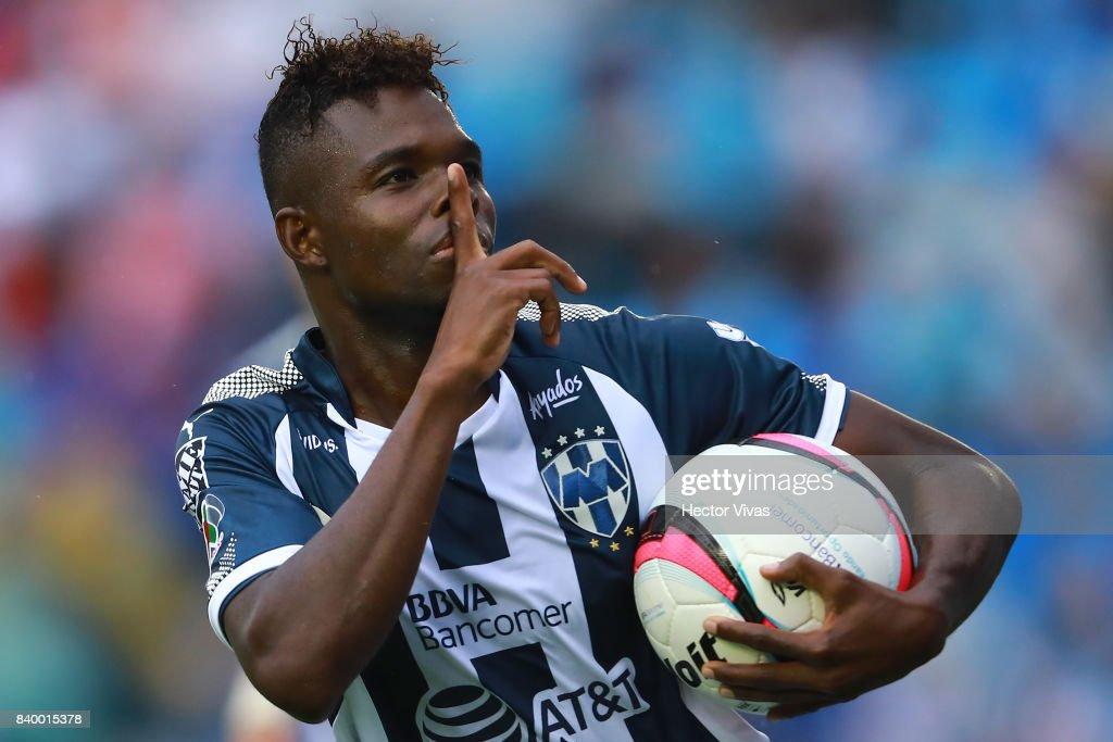 Cruz Azul v Monterrey - Torneo Apertura 2017 Liga MX