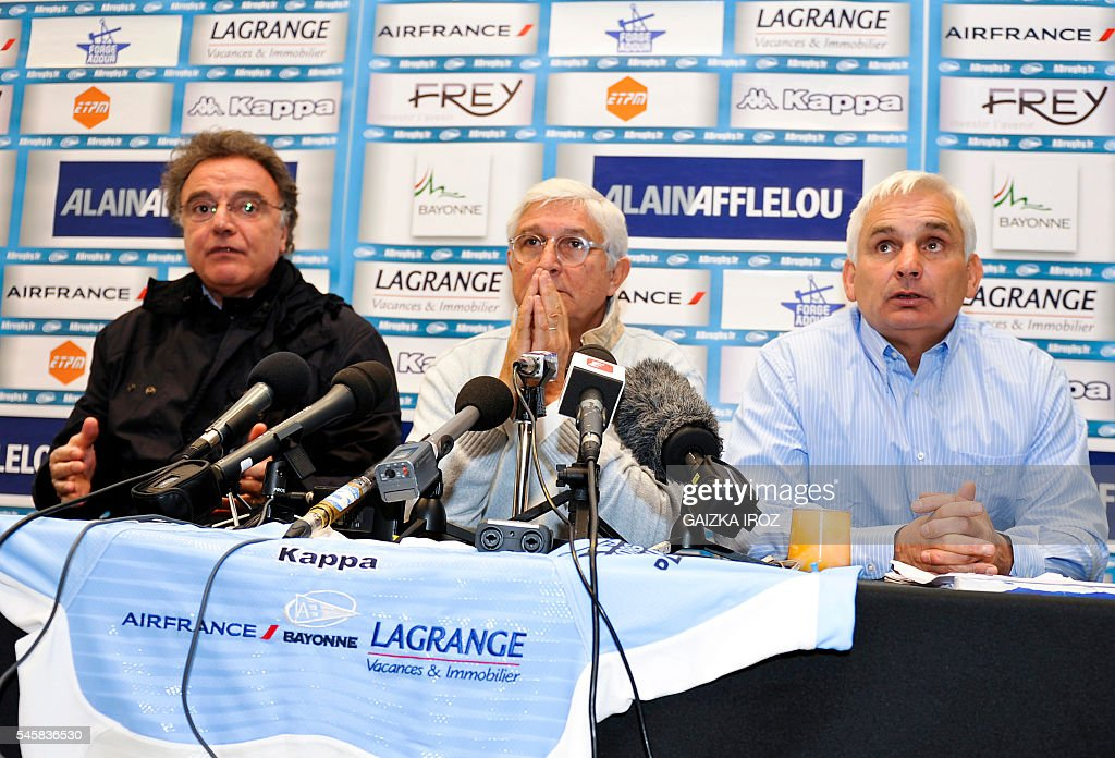 Aviron bayonnais former club's president Michel Cacouault flanked by newly named president Alain Afflelou and newly appointed sports advisor for the...