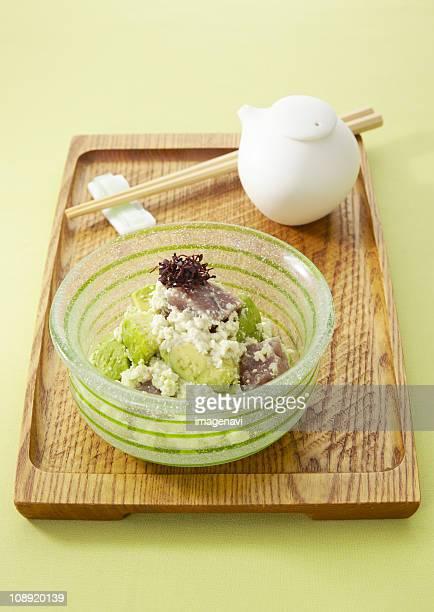 Avocado and tuna dressed with mashed tofu