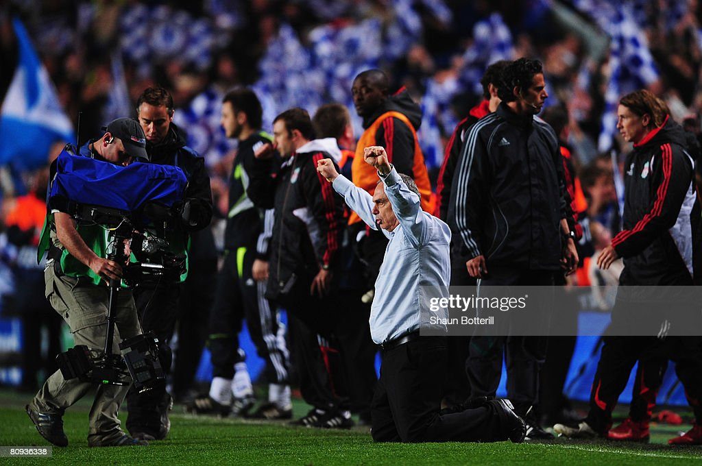Avram Grant manager of Chelsea celebrates victory following the UEFA Champions League Semi Final 2nd leg match between Chelsea and Liverpool at...