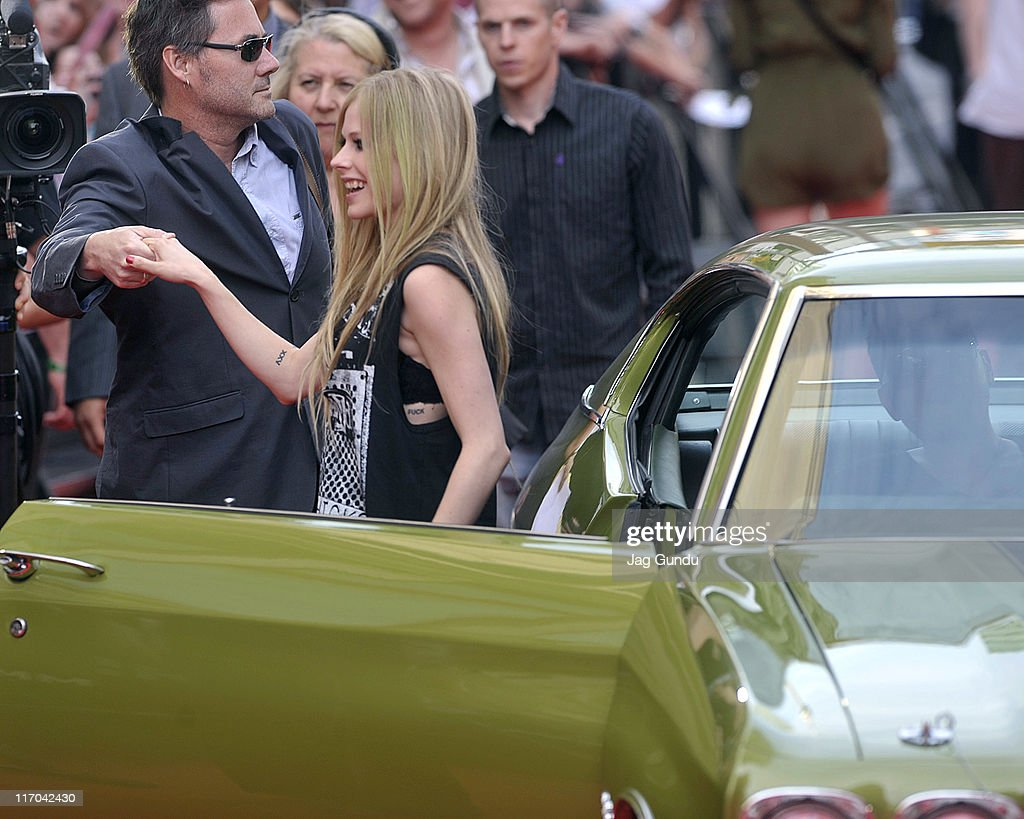 <a gi-track='captionPersonalityLinkClicked' href=/galleries/search?phrase=Avril+Lavigne&family=editorial&specificpeople=171190 ng-click='$event.stopPropagation()'>Avril Lavigne</a> arrives on the red carpet at the 22nd Annual MuchMusic Video Awards at the MuchMusic HQ on June 19, 2011 in Toronto, Canada.