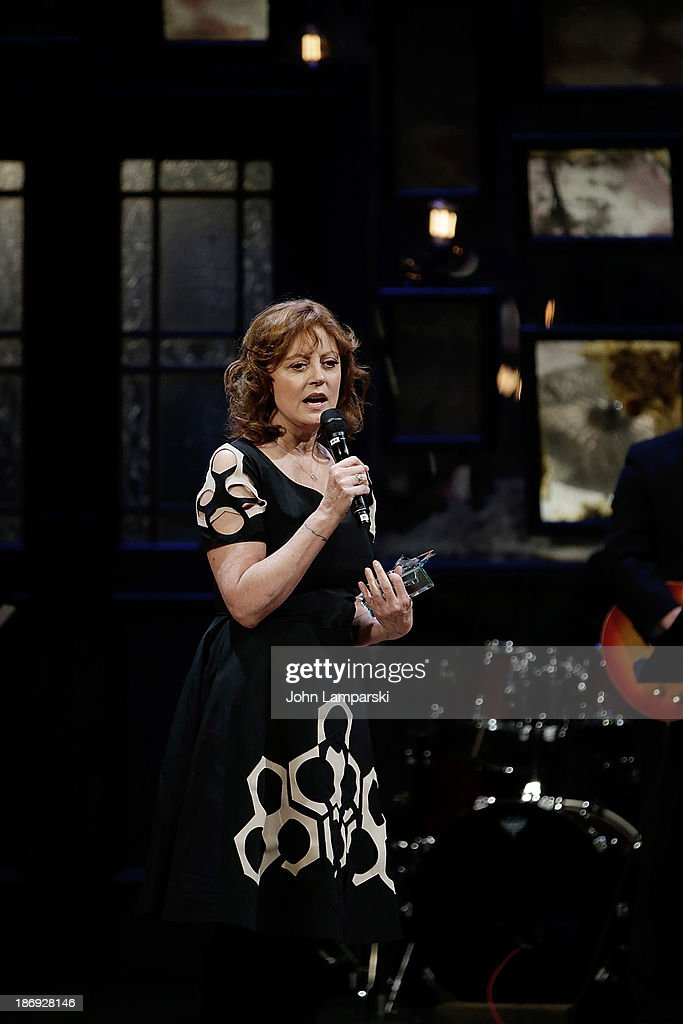 Award recipient <a gi-track='captionPersonalityLinkClicked' href=/galleries/search?phrase=Susan+Sarandon&family=editorial&specificpeople=202474 ng-click='$event.stopPropagation()'>Susan Sarandon</a> attends the 14th annual Make Believe On Broadway gala at The Bernard B. Jacobs Theatre on November 4, 2013 in New York City.