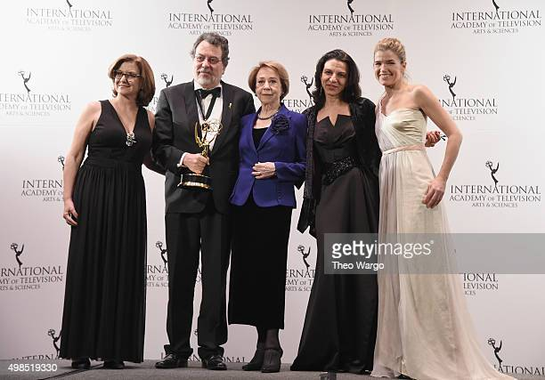 Award Winners for Comedy for 'Doce de Mae' including Jorge Furtado Fernanda Montenegro and Ana Luiza Azevedo celebrate with presenter Anke Engelke at...