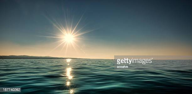 Atemberaubenden Sonnenuntergang über dem lake constance in der Schweiz