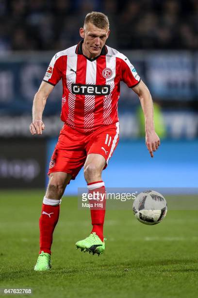 Axel Bellinghausen of Duesseldorf controls the ball during the Second Bundesliga match between VfL Bochum 1848 and Fortuna Duesseldorf at Vonovia...