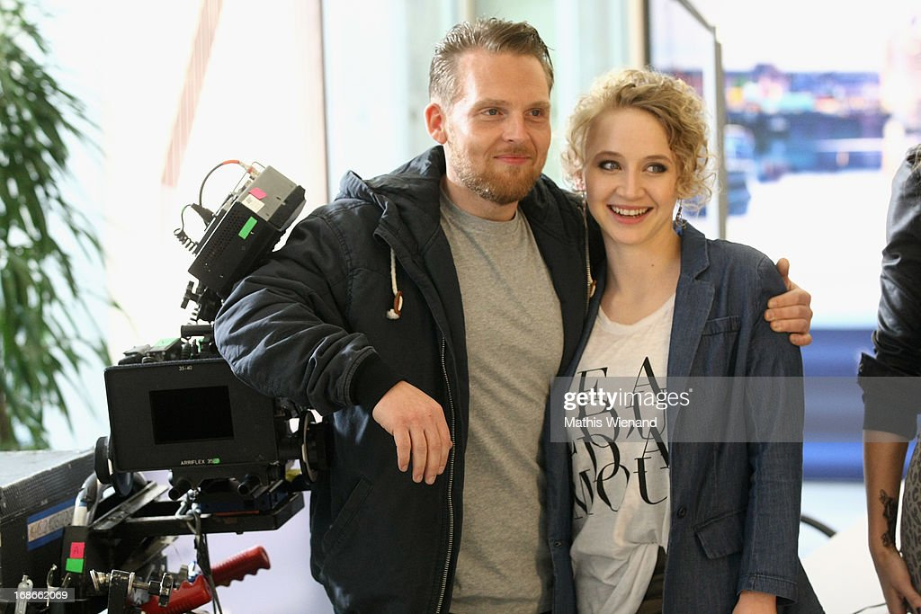Axel Stein and Anna Maria Muehe attend the Photocall on set of 'Nicht mein Tag' on May 13, 2013 in Cologne, Germany.