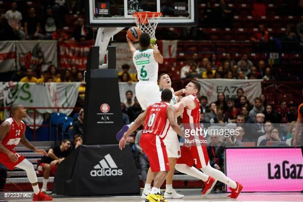 Axel Toupane shoots a layup during a game of Turkish Airlines EuroLeague basketball between AX Armani Exchange Milan vs Zalgiris Kaunas at Mediolanum...
