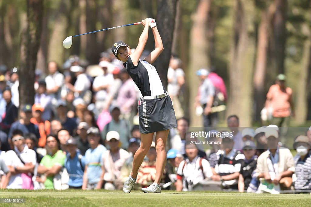 <a gi-track='captionPersonalityLinkClicked' href=/galleries/search?phrase=Ayaka+Matsumori&family=editorial&specificpeople=14049456 ng-click='$event.stopPropagation()'>Ayaka Matsumori</a> of Japan hits her tee shot on the 12th hole during the first round of the World Ladies Championship Salonpas Cup at the Ibaraki Golf Club on May 5, 2016 in Tsukubamirai, Japan.