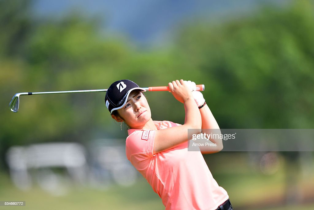 <a gi-track='captionPersonalityLinkClicked' href=/galleries/search?phrase=Ayaka+Watanabe&family=editorial&specificpeople=12647523 ng-click='$event.stopPropagation()'>Ayaka Watanabe</a> of Japan hits herÊtsecond shotÊon the 18th hole during the firstround of the Resorttrust Ladies at the Grandee Naruto Golf Club XIV on May 27, 2016 in Naruto, Japan.