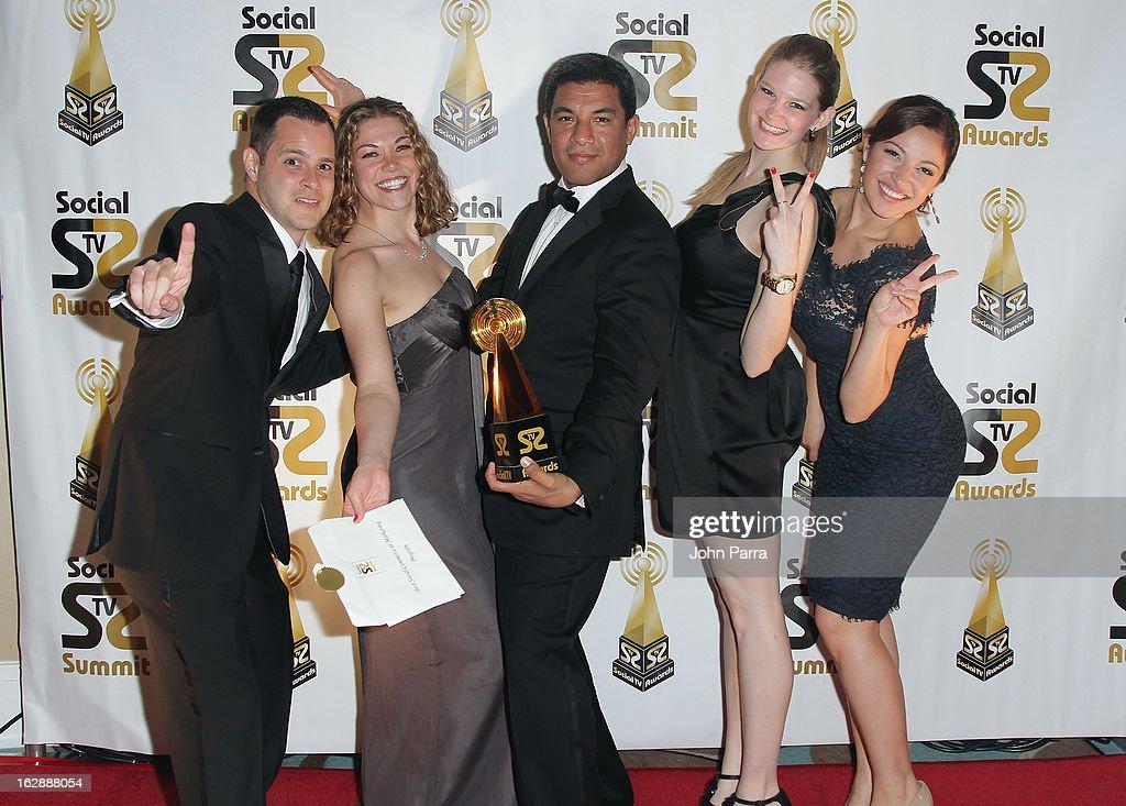 Ayan Valle, Nancy Griffin, Luis Romero, Emily DeArmas and Karen Comas pose with an award at the 2013 Latin Social TV Awards at Fontainebleau Miami Beach on February 28, 2013 in Miami Beach, Florida.