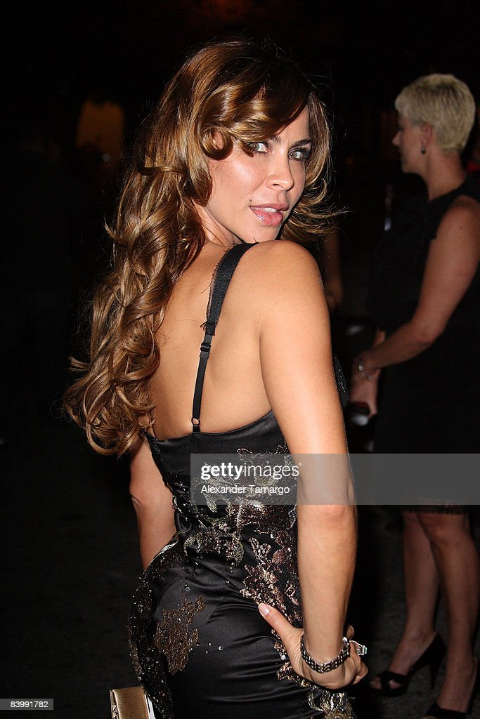 Aylin Mujica arrives at People En Espanol Celebrates The 2008 Stars of the Year Issue event at Grass Lounge on December 10, 2008 in Miami.
