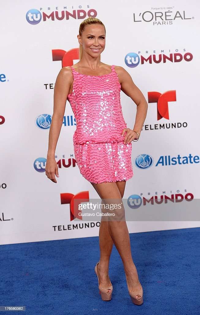 Aylin Mujica arrives for Telemundo's Premios Tu Mundo Awards at American Airlines Arena on August 15, 2013 in Miami, Florida.
