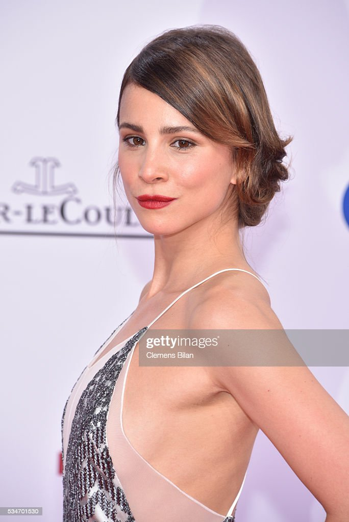 <a gi-track='captionPersonalityLinkClicked' href=/galleries/search?phrase=Aylin+Tezel&family=editorial&specificpeople=2348122 ng-click='$event.stopPropagation()'>Aylin Tezel</a> attends the Lola - German Film Award (Deutscher Filmpreis) on May 27, 2016 in Berlin, Germany.