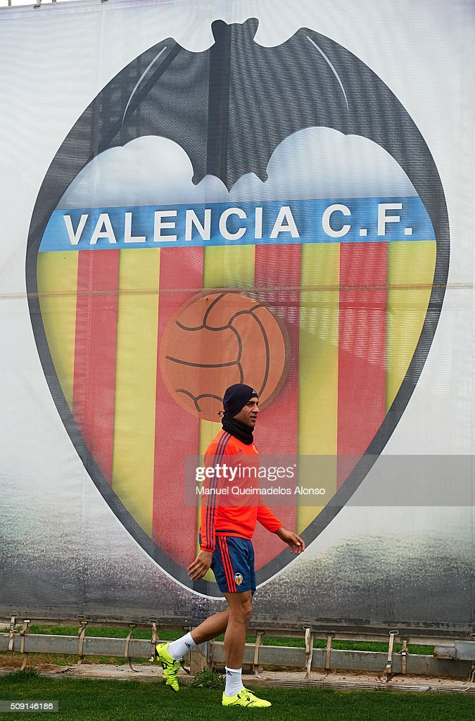 Aymen Abdennour of Valencia arrives for a Valencia CF training session ahead of Wednesday's Copa del Rey Semi Final, second leg match between Valencia CF and FC Barcelona at Paterna Training Centre on February 9, 2016 in Valencia, Spain.