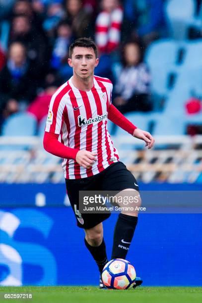 Aymeric Laporte of Athletic Club Bilbao controls the ball during the La Liga match between Real Sociedad de Futbol and Athletic Club Bilbao at...