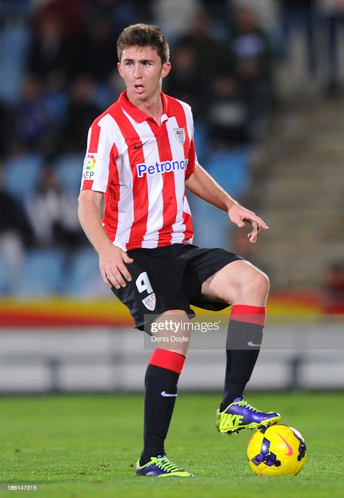 <a gi-track='captionPersonalityLinkClicked' href=/galleries/search?phrase=Aymeric+Laporte&family=editorial&specificpeople=7894319 ng-click='$event.stopPropagation()'>Aymeric Laporte</a> of Athletic Club in action during the start of the La Liga match between Getafe CF and Athletic Club at Coliseum Alfonso Perez stadium on October 28, 2013 in Getafe, Spain.