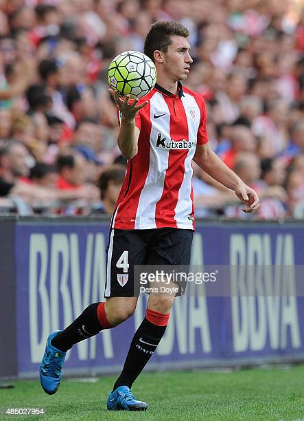 Aymeric Laporte of Athletic Club takes a throw in during the La Liga match between Athletic Club and FC Barcelona at San Mames Stadium on August 23...