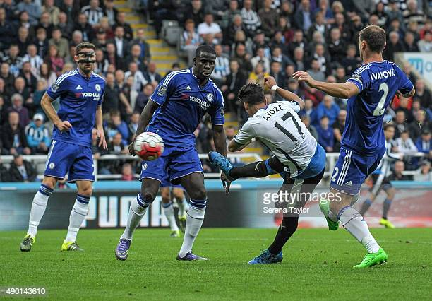 Ayoze Perez of Newcastle scores the opening goal during the Barclays Premier League match between Newcastle United and Chelsea at StJames Park on...