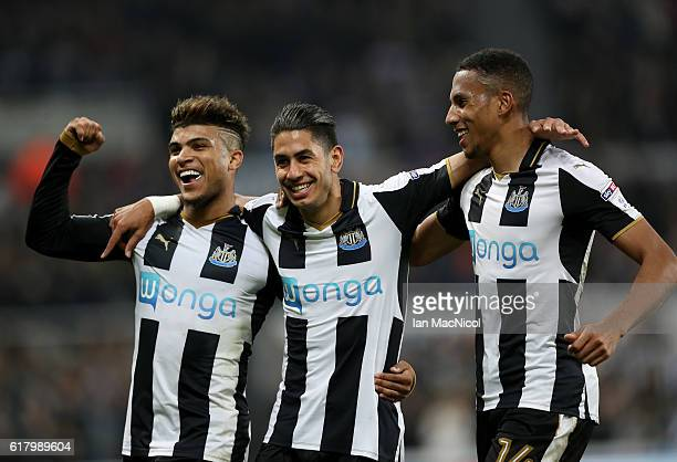 Ayoze Perez of Newcastle United celebrates scoring his sides sixth goal with his Newcastle United team mates during the EFL Cup fourth round match...