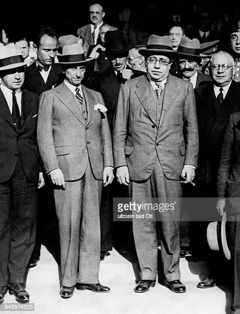 Azana Manuel*18801940Politiker Schriftsteller SpanienStaatspräsident 19361939Azana und M Casares Quipoga Aufnahme PresseIllustrationen Heinrich...