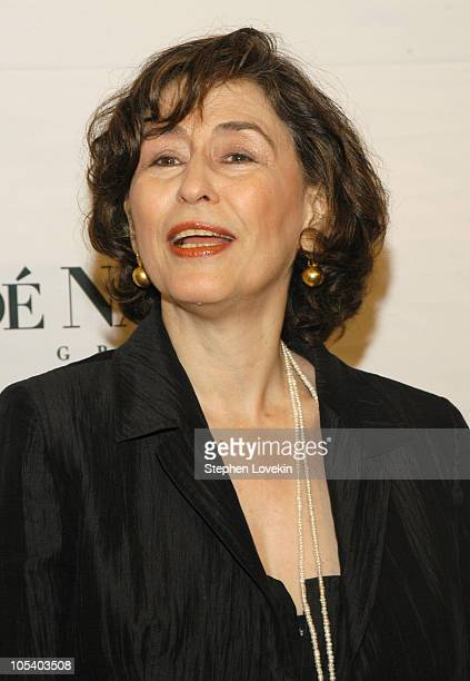 azar nafisi Azar nafisi, phd (persian: آذر نفیسی) (born december 1955) is an iranian professor and writer who currently resides in the united statesnafisi's bes.