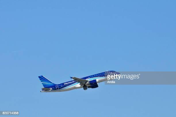 Azerbaijan Airlines Airbus A3202004KAZ78