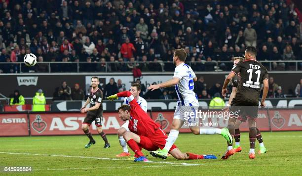 Aziz Bouhaddouz of St Pauli scores the fifth goal during the Second Bundesliga match between FC St Pauli and Karlsruher SC at Millerntor Stadium on...
