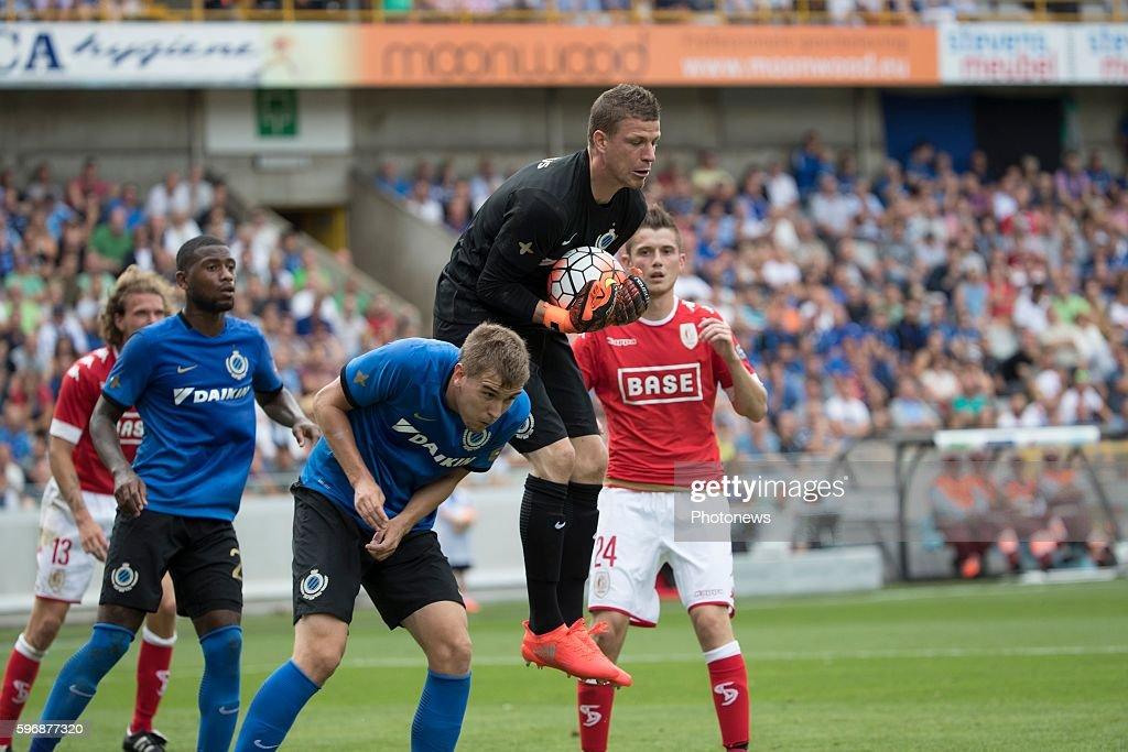 b01 Ludovic Butelle goalkeeper of Club Brugge during the Jupiler Pro League match between Club Brugge and Standard de Liege at the Jan Breyden...