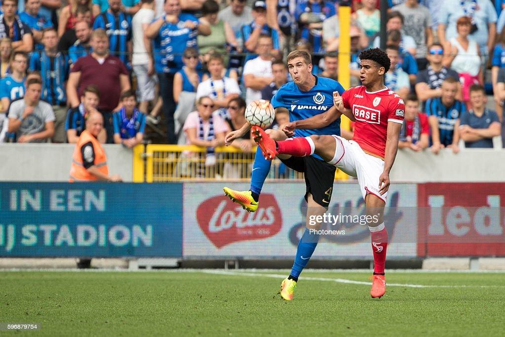 b04 Bjorn Engels defender of Club Brugge s17 Ryan Mmaee forward of Standard Liege during the Jupiler Pro League match between Club Brugge and...