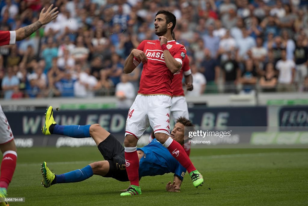 b09 Jelle Vossen forward of Club Brugge s14 Isaac Mbenza forward of Standard Liege during the Jupiler Pro League match between Club Brugge and...