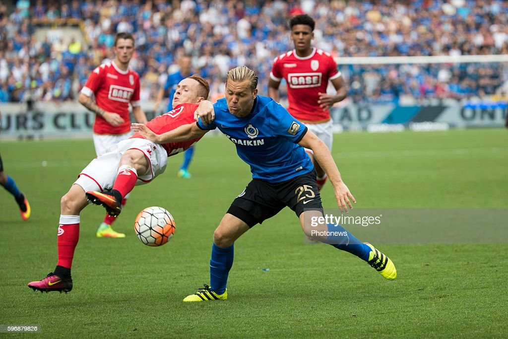 b25 Ruud Vormer midfielder of Club Brugge s23 Adrien Trebel midfielder of Standard Liege during the Jupiler Pro League match between Club Brugge and...