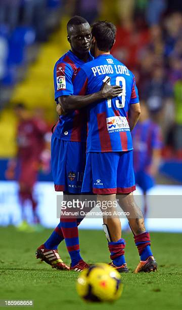 Baba Diawara of Levante celebrates the victory with his teammate Pedro Lopez during the La Liga match between Levante UD and RCD Espanyol at Estadio...