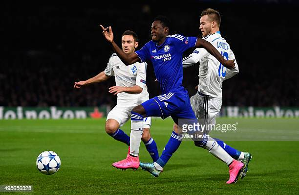 Baba Rahman of Chelsea takes on the Dynamo dfence during the UEFA Champions League Group G match between Chelsea FC and FC Dynamo Kyiv at Stamford...