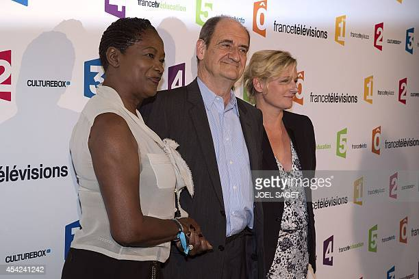 Babette de Rozieres Pierre Lescure et AnneElisabeth Lemoine pose during a photocall for French TV group France Televisions new season's launching on...