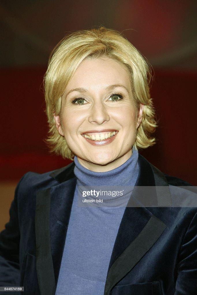 <b>Babette Einstmann</b> - Bilder und Fotos - babette-einstmann-moderatorin-d-picture-id544574159