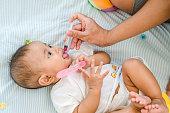 Baby feeding with liquid medicine