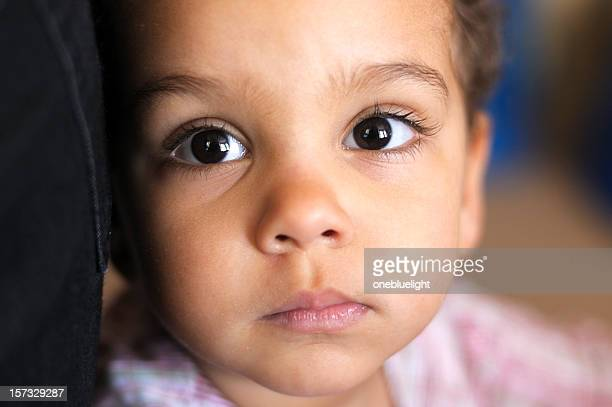 Bebê Menina (1- 2) com a infeliz a expressão
