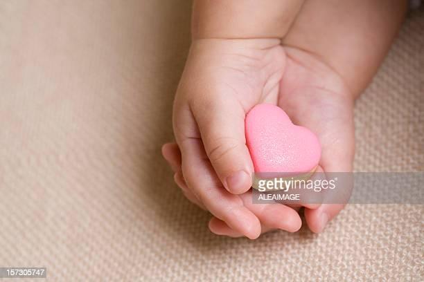 Bambino mano Rosa cuore 4